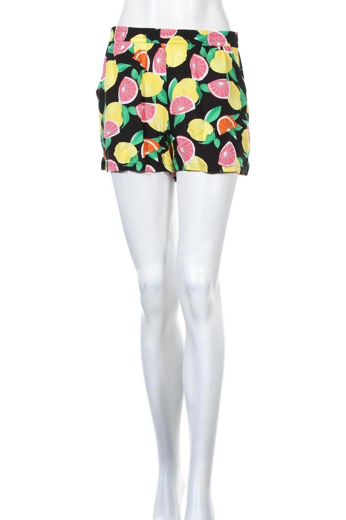 Γυναικείο κοντό παντελόνι ONLY, Μέγεθος M, Χρώμα Πολύχρωμο, Βισκόζη, Τιμή 12,99€