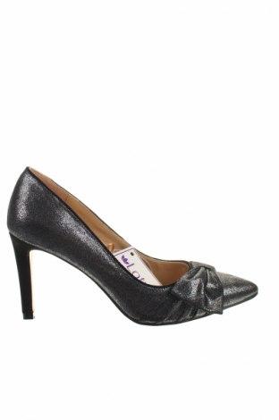 Дамски обувки Lotus, Размер 37, Цвят Сребрист, Текстил, Цена 119,25лв.