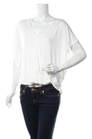 Γυναικεία μπλούζα ONLY, Μέγεθος L, Χρώμα Λευκό, Βισκόζη, Τιμή 5,68€