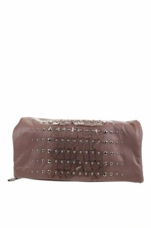 Дамска чанта Gianfranco Ferre, Цвят Кафяв, Естествена кожа, Цена 102,70лв.