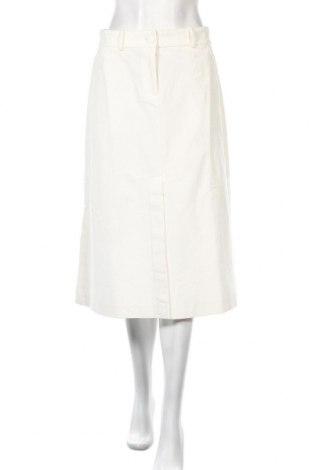 Дамски джинси Stefanel, Размер S, Цвят Бял, 98% памук, 2% еластан, Цена 20,28лв.
