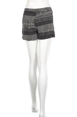 Дамски къс панталон ONLY, Размер XS, Цвят Черен, 100% вискоза, Цена 11,40лв.