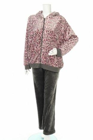 Пижама Studio, Размер XL, Цвят Многоцветен, Полиестер, Цена 45,26лв.