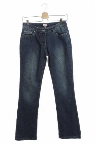 Детски дънки Nkd, Размер 14-15y/ 168-170 см, Цвят Син, 73% памук, 25% полиестер, 2% еластан, Цена 6,00лв.
