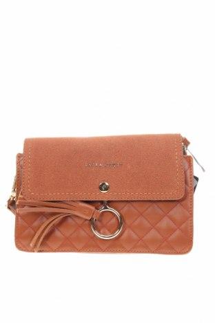 Дамска чанта Laura Ashley, Цвят Кафяв, Еко кожа, Цена 37,92лв.