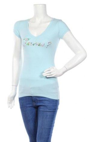 Дамска тениска Guess, Размер XS, Цвят Син, 95% памук, 5% еластан, Цена 44,85лв.