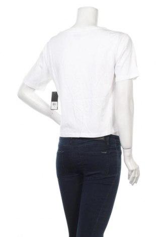 Дамска тениска Juicy Couture, Размер M, Цвят Бял, 100% памук, Цена 37,20лв.