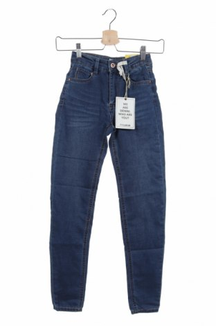 Дамски дънки Pull&Bear, Размер XXS, Цвят Син, 70% памук, 28% полиестер, 2% еластан, Цена 31,27лв.