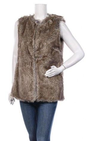 Дамски елек Pull&Bear, Размер L, Цвят Бежов, 57% акрил, 43% полиестер, Цена 21,92лв.