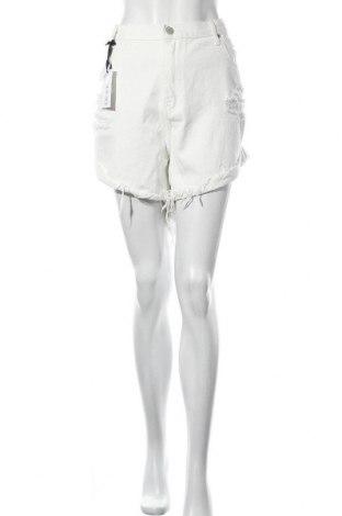 Дамски къс панталон Glamorous, Размер XXL, Цвят Бял, Памук, Цена 23,22лв.