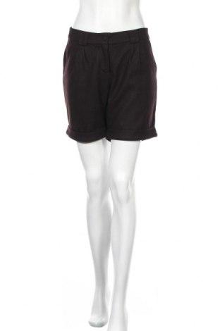 Дамски къс панталон Glamorous, Размер L, Цвят Лилав, 70% полиестер, 30% вискоза, Цена 4,60лв.