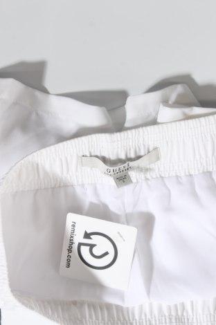Дамски къс панталон Guess, Размер S, Цвят Бял, 100% полиестер, Цена 61,50лв.