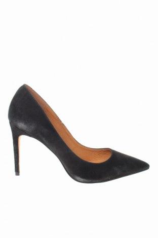 Γυναικεία παπούτσια Reserved, Μέγεθος 41, Χρώμα Μαύρο, Φυσικό σουέτ, Τιμή 30,52€