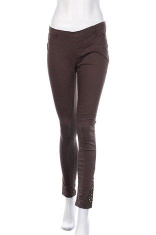 Γυναικείο παντελόνι Famous, Μέγεθος S, Χρώμα Πράσινο, 70% βαμβάκι, 27% πολυεστέρας, 3% ελαστάνη, Τιμή 8,18€