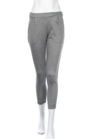 Дамски панталон Pull&Bear, Размер XS, Цвят Сив, 81% полиестер, 17% вискоза, 2% еластан, Цена 33,04лв.