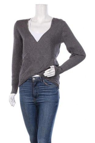 Дамски пуловер Un Deux Trois, Размер M, Цвят Сив, 44% вискоза, 28% полиестер, 28% полиамид, Цена 48,95лв.