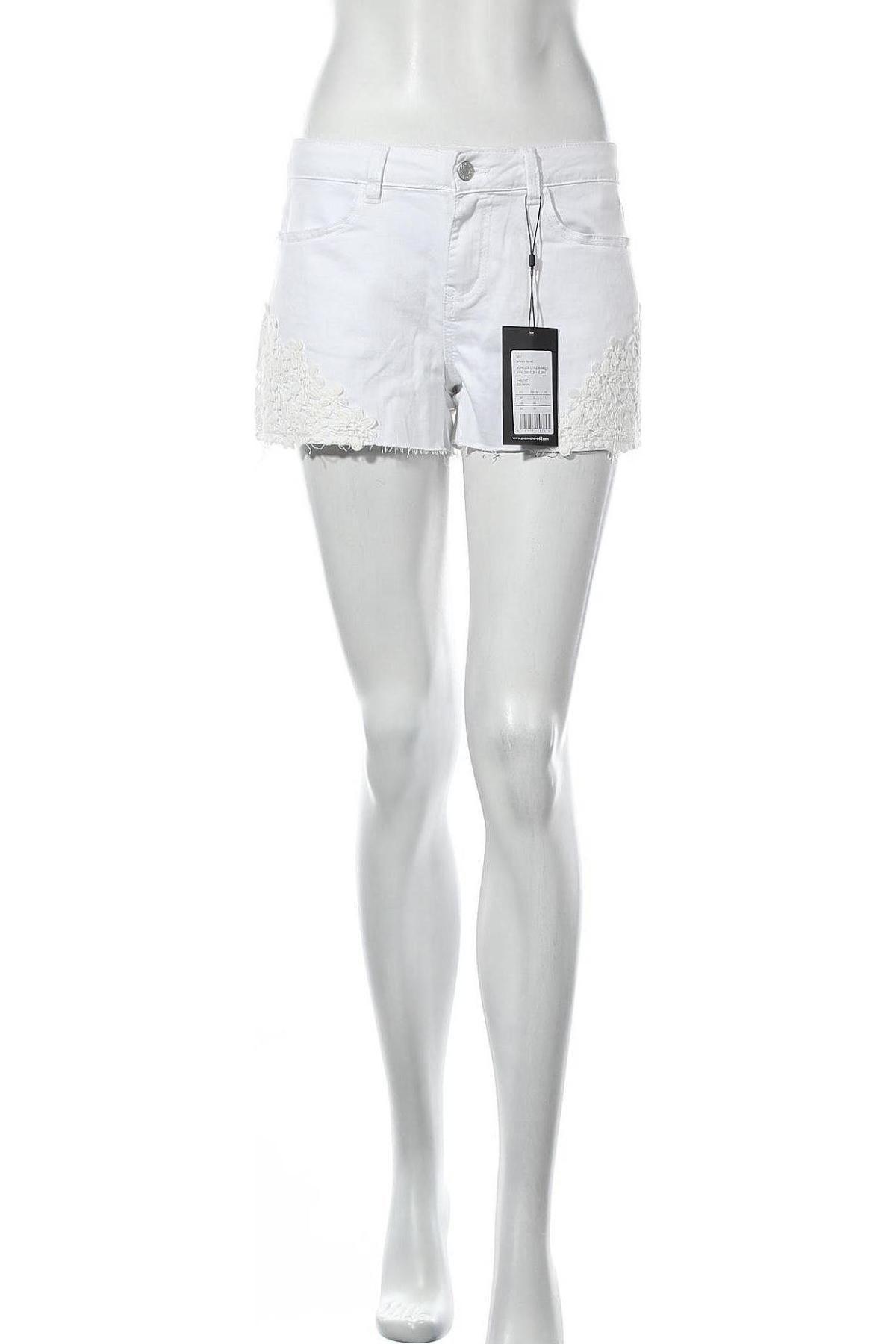 Дамски къс панталон Even&Odd, Размер M, Цвят Бял, 65% памук, 33% вискоза, 2% еластан, Цена 14,40лв.