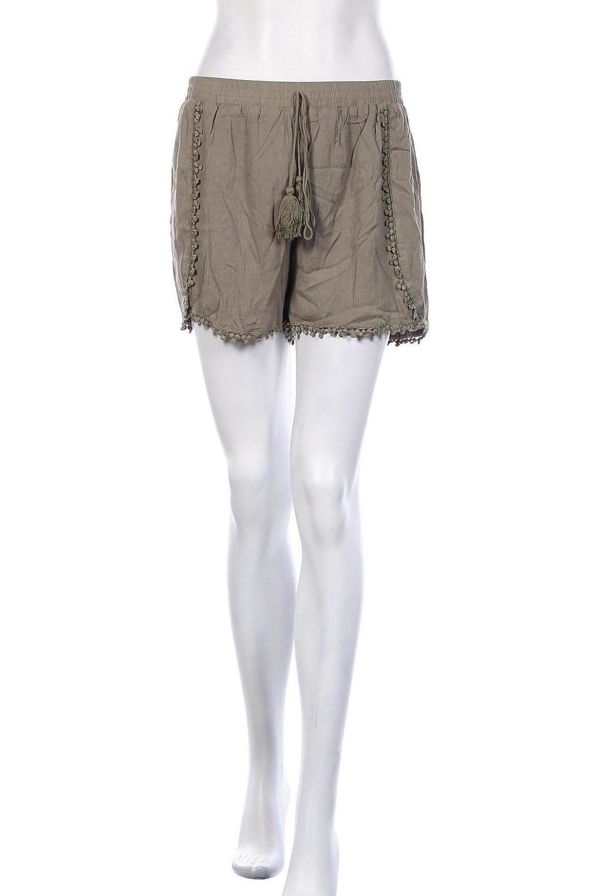 Γυναικείο κοντό παντελόνι Molly Bracken, Μέγεθος L, Χρώμα Πράσινο, Βισκόζη, Τιμή 13,89€