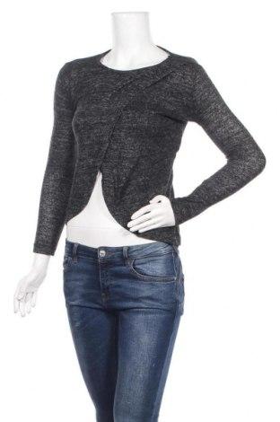 Дамска блуза New Laviva, Размер S, Цвят Сив, 95% полиестер, 5% еластан, Цена 11,27лв.