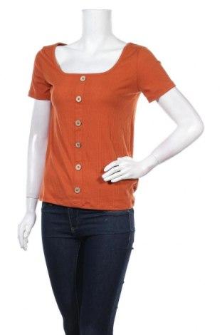 Дамска блуза Pimkie, Размер M, Цвят Кафяв, 67% полиестер, 28% вискоза, 5% еластан, Цена 14,50лв.