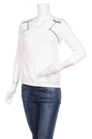 Дамска блуза Women Dept, Размер S, Цвят Бял, 66% полиестер, 33% вискоза, 1% метални нишки, Цена 13,57лв.