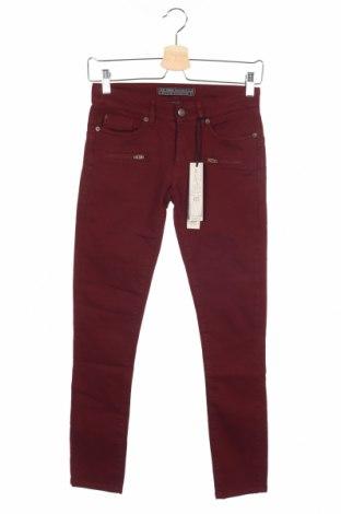 Дамски дънки IKKS, Размер XS, Цвят Червен, 90% памук, 7% полиестер, 3% еластан, Цена 126,75лв.