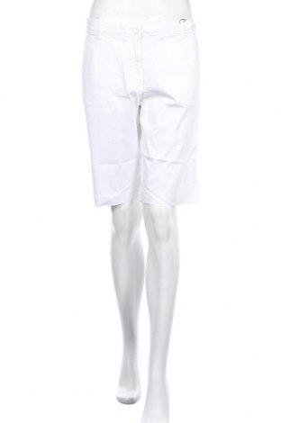 Дамски къс панталон Daniel Hechter, Размер XL, Цвят Бял, 8% памук, 2% еластан, Цена 69,30лв.