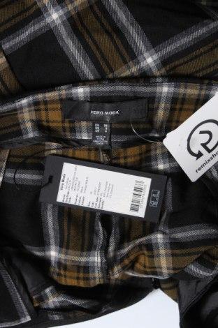 Pantaloni scurți de femei Vero Moda, Mărime S, Culoare Multicolor, 64% poliester, 34% viscoză, 2% elastan, Preț 120,89 Lei