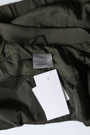 Дамско яке Vero Moda, Размер XS, Цвят Зелен, Полиамид, Цена 17,25лв.