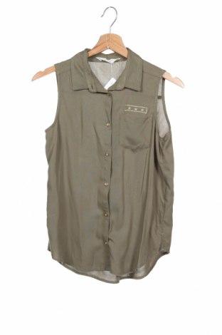 Детска риза H&M, Размер 11-12y/ 152-158 см, Цвят Зелен, 100% вискоза, Цена 5,50лв.
