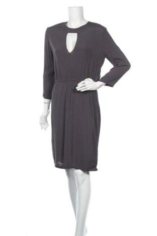 Φόρεμα Just Female, Μέγεθος S, Χρώμα Γκρί, Βισκόζη, Τιμή 7,31€