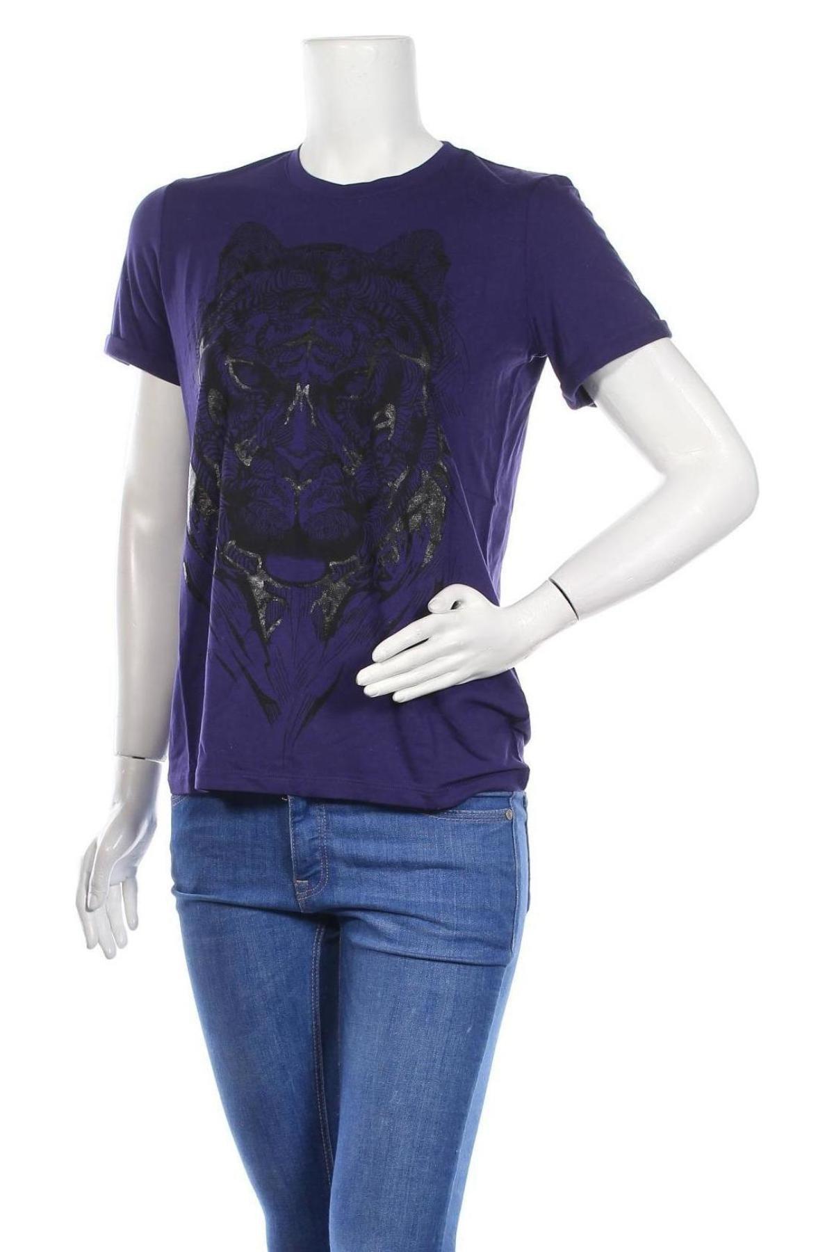 Дамска тениска Just Cavalli, Размер S, Цвят Лилав, 96% вискоза, 4% еластан, Цена 106,47лв.