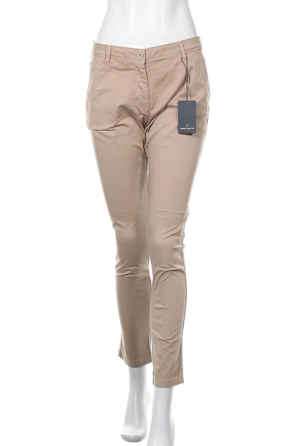 Дамски панталон Daniel Hechter, Размер M, Цвят Бежов, 98% памук, 2% еластан, Цена 33,36лв.