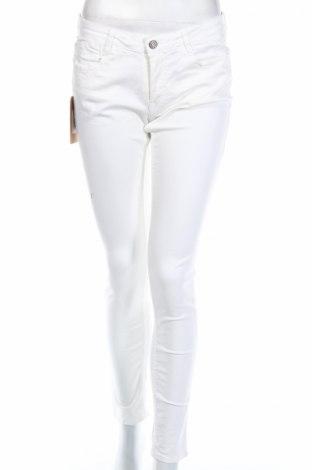 Дамски панталон Le Temps Des Cerises, Размер M, Цвят Бял, 98% памук, 2% еластан, Цена 14,90лв.