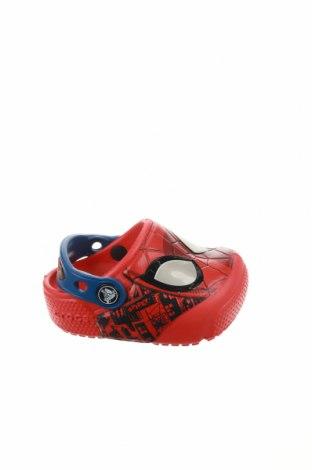 Чехли Crocs, Размер 19, Цвят Червен, Полиуретан, Цена 22,05лв.