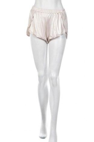 Γυναικείο κοντό παντελόνι F**k, Μέγεθος S, Χρώμα  Μπέζ, 95% πολυεστέρας, 5% ελαστάνη, Τιμή 8,66€