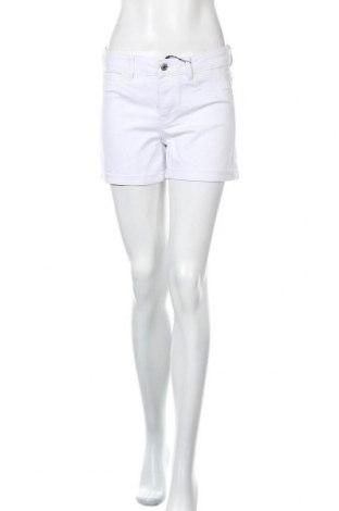 Pantaloni scurți de femei Vero Moda, Mărime L, Culoare Alb, 63% bumbac, 35% poliester, 2% elastan, Preț 48,52 Lei