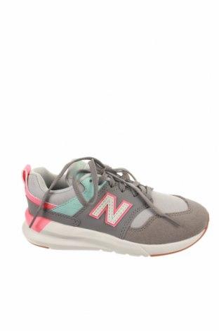 Детски обувки New Balance, Размер 32, Цвят Сив, Текстил, естествен велур, еко кожа, Цена 53,40лв.